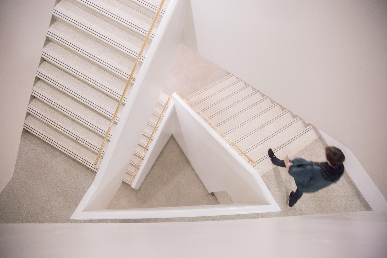cara membuat bekisting tangga