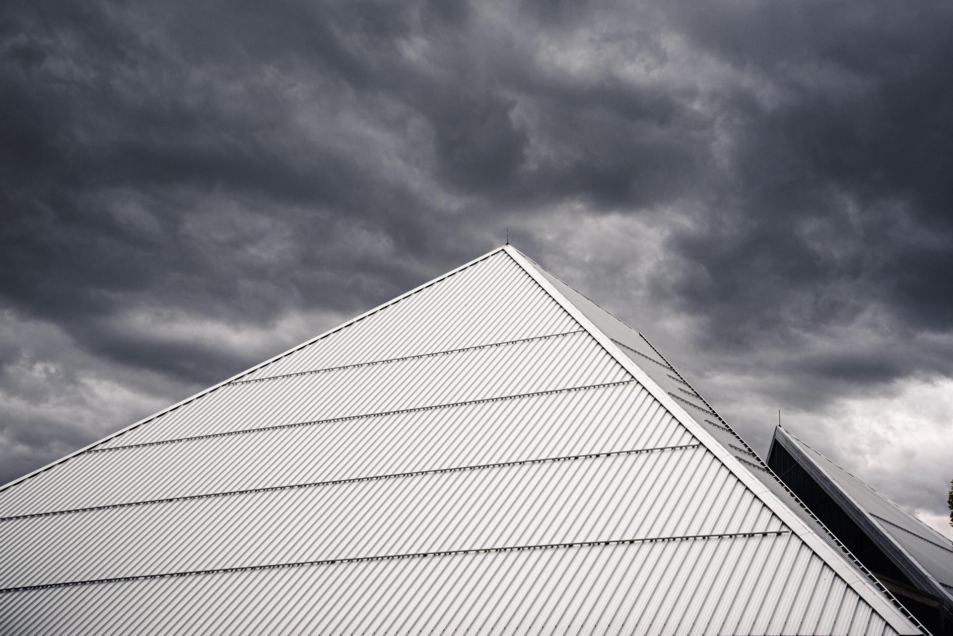 Cara menambal atap spandek bocor