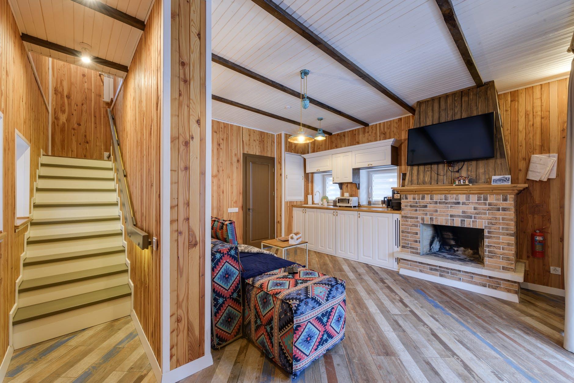 cara-membuat-tangga-kayu-minimalis