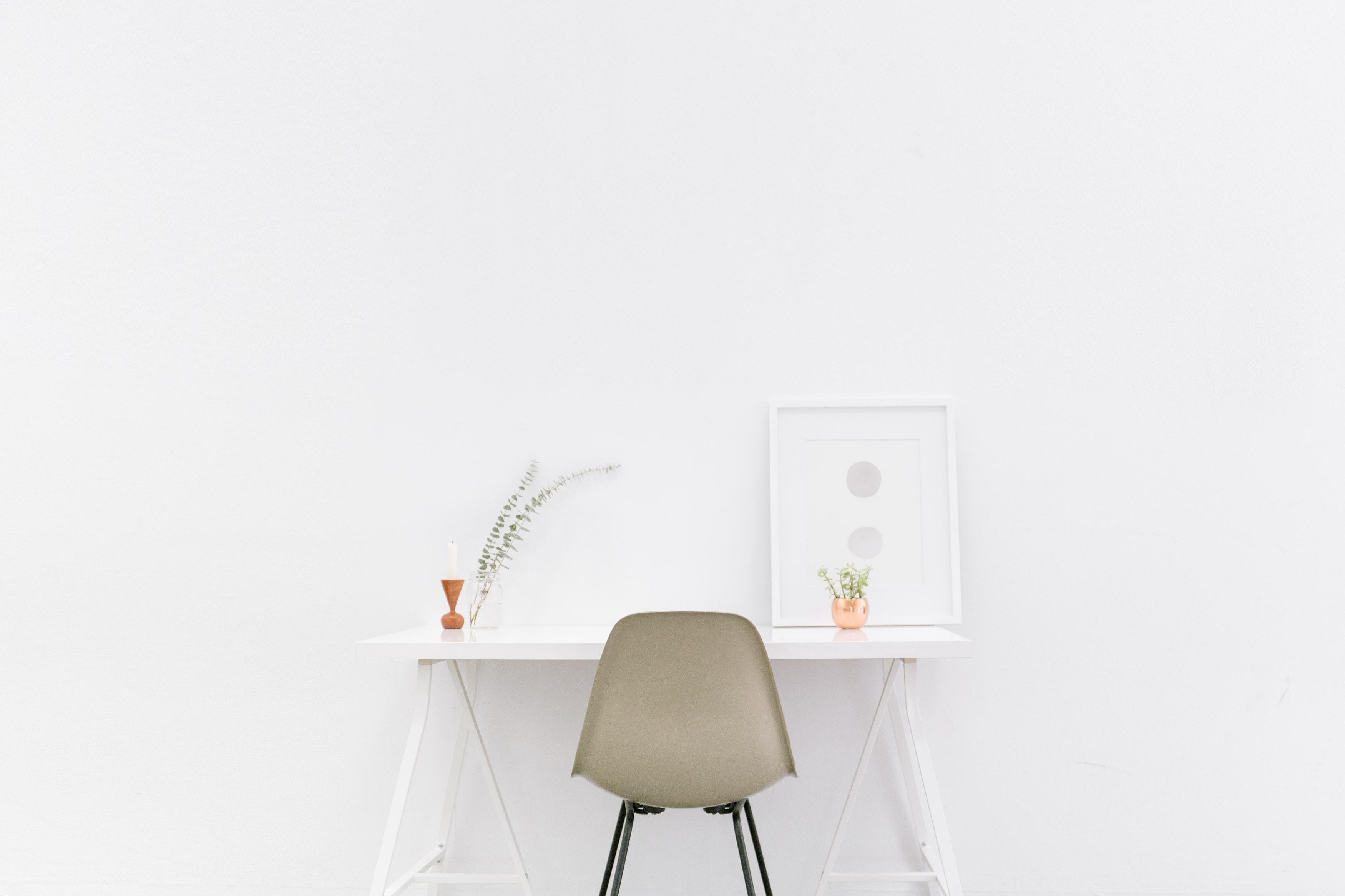 perabot rumah minimalis