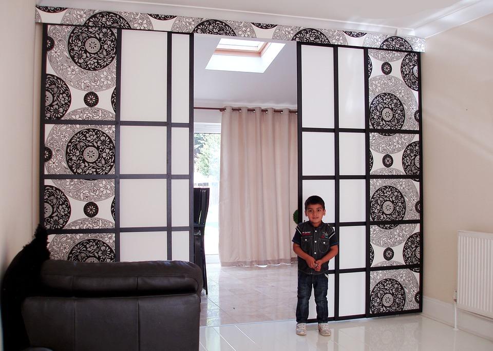 Trik Membangun Sekat Ruangan dari Besi Holo yang Indah